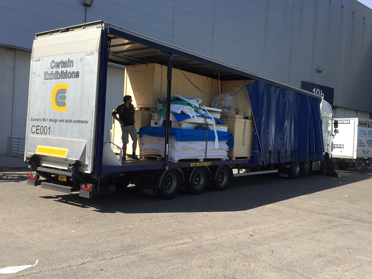 Exhibition Stand Transport : Transport certain exhibitions